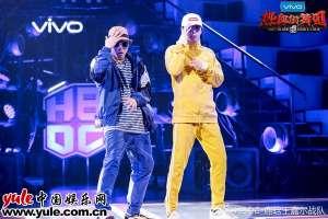 王嘉尔帅气亮相热血街舞团发布会称节目史上最残酷